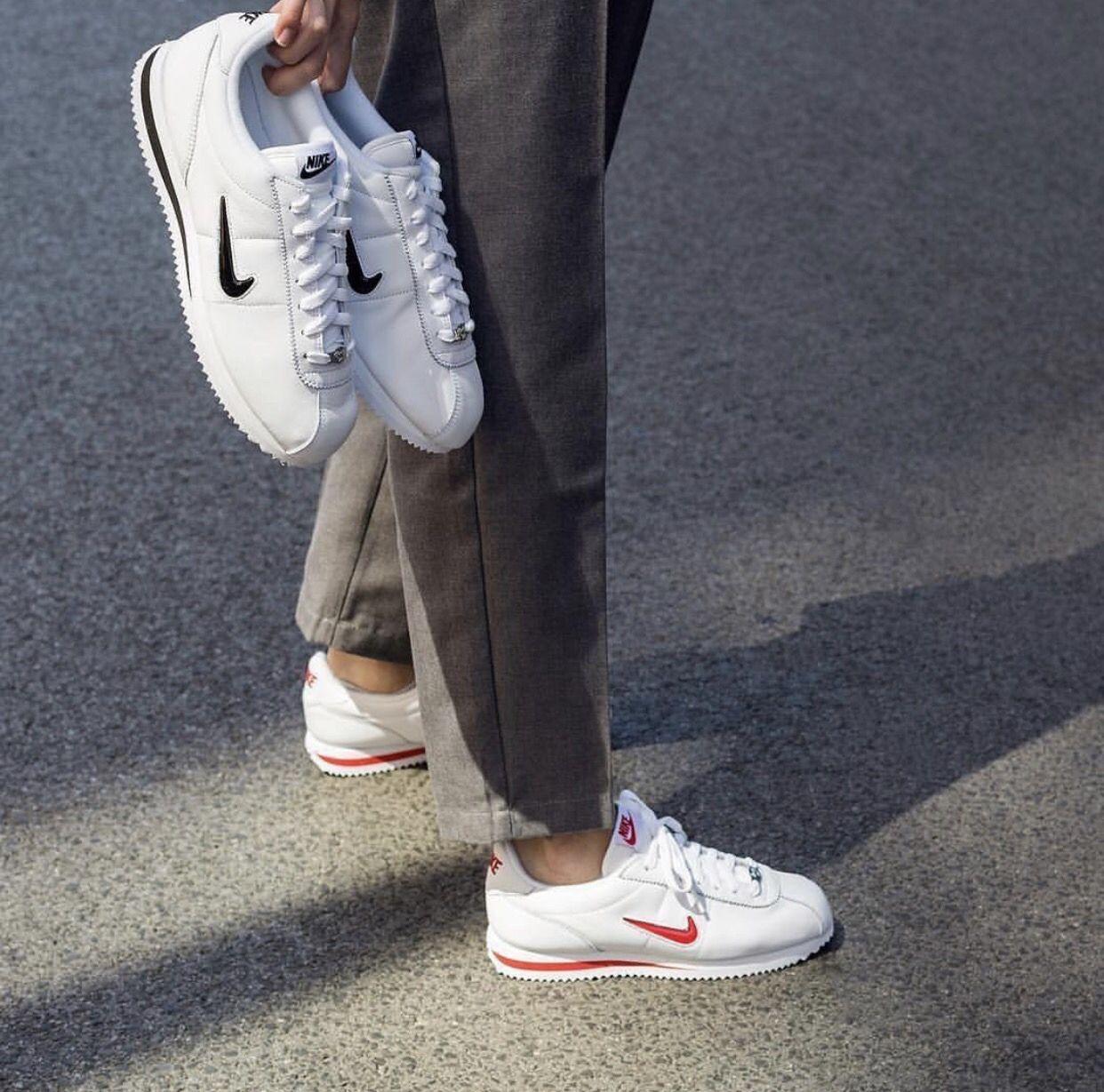 Pinterest: Margie   Nike cortez