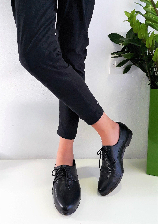 Black Leather Shoes Classic Oxfords Women Oxfords Etsy Women Oxfords Black Formal Shoes Black Leather Shoes [ 3000 x 2119 Pixel ]