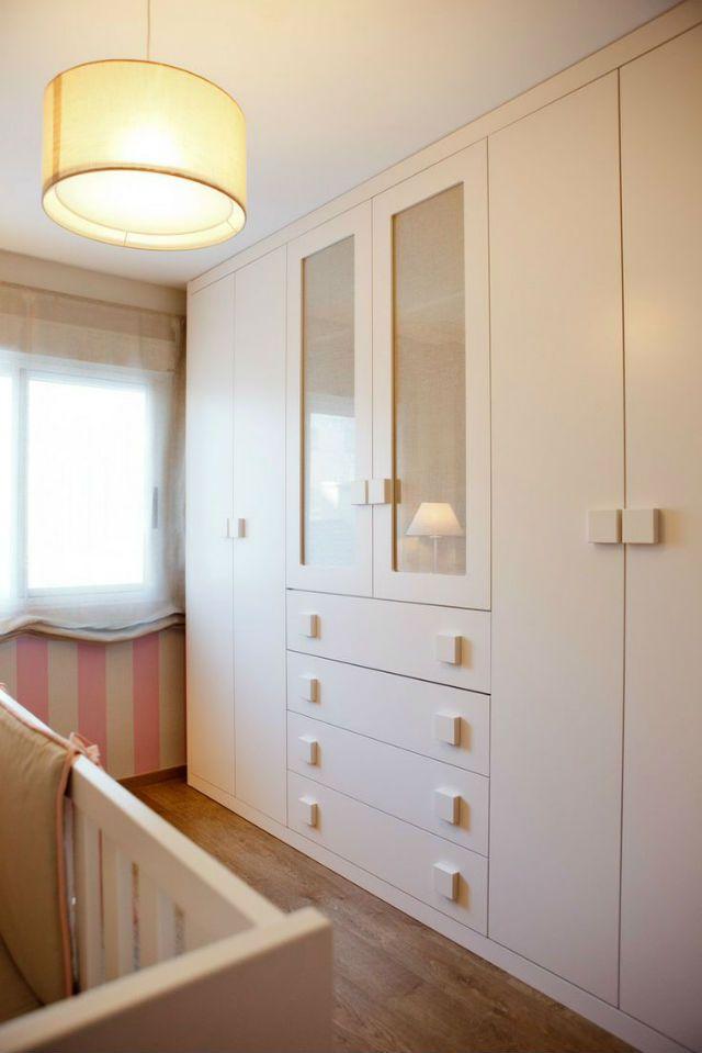 8 armarios empotrados qu puedes copiar en 2019 - Dormitorios infantiles blancos ...