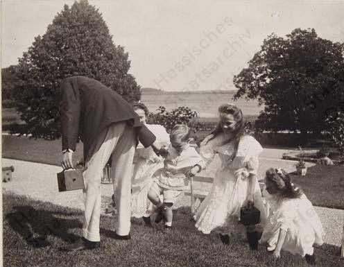Tatiana, Olga and Anastasia with Waldemar of Prussia and Georg Donatus of Hesse, 1909, Hemmelmark, Germany