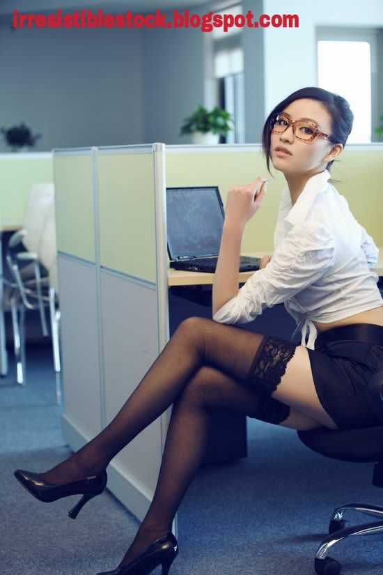 Beautiful Chinese Teen Girl In Glasses  Stockings Hd Picture  Chinese  Asian Sexy Girls In -3853