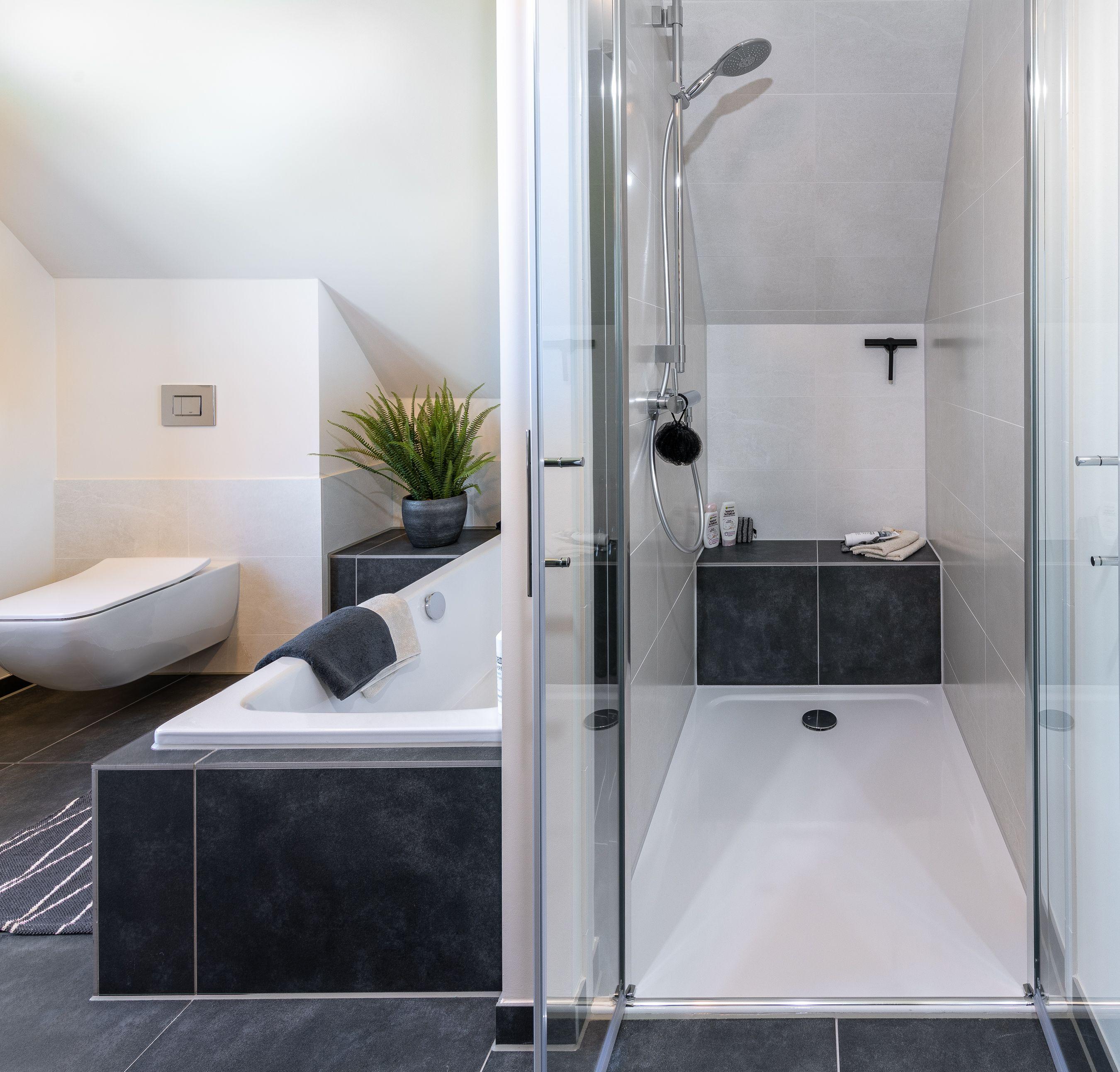 Viebrockhaus Maxime120 Einfamilienhaus Bad Badezimmer Wanne Badewanne Dusche Musterhauspark Badfal Viebrockhaus Badewanne Mit Dusche Badezimmer Klein