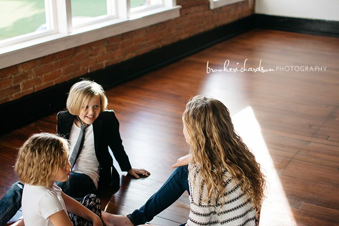 Amber, indoor family photos, family photoshoot ideas, color coordinating family photos