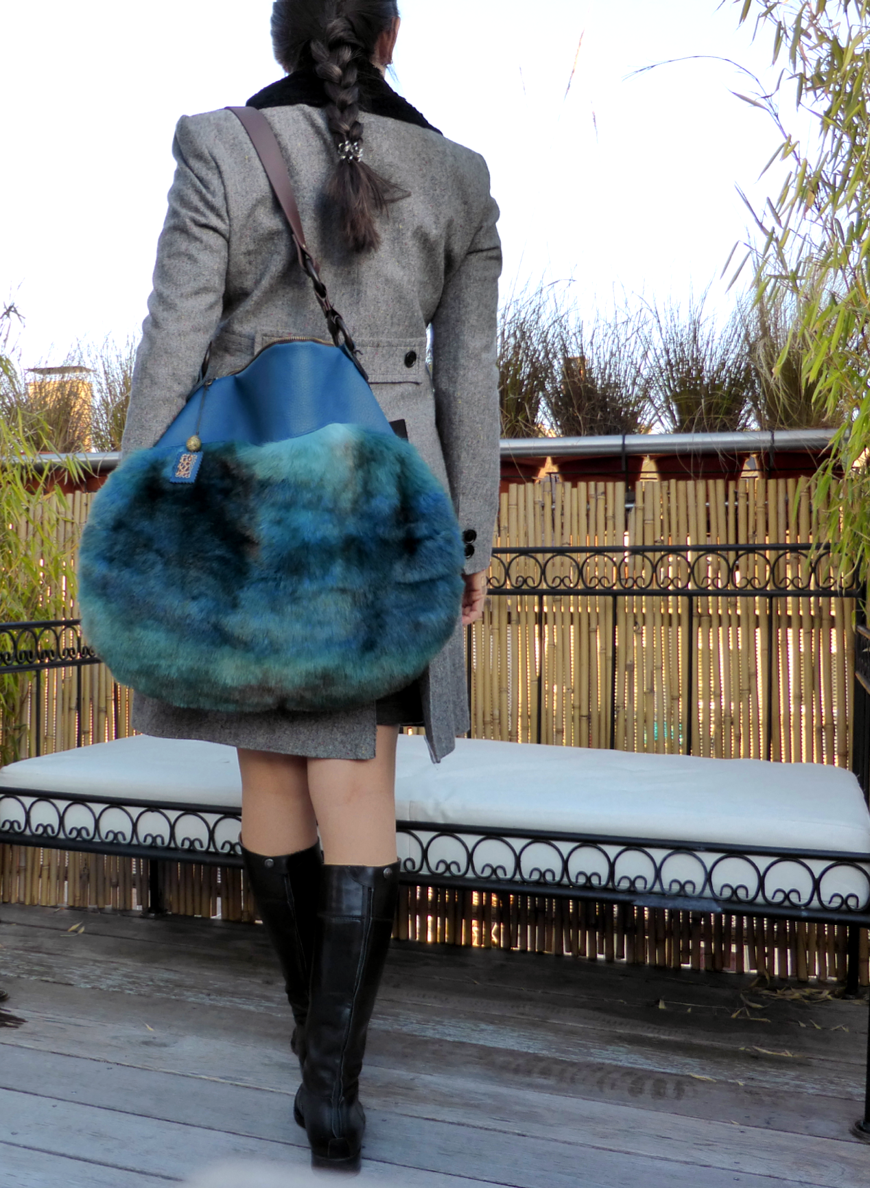 Have a look at this gorgeous faux fur oversized handbag: outer material cozy faux fur in different shades of blue and brown, lining material leopard microfibre. This bag is whole vegan! At www.wagnerstrasse.de https://www.amazon.de/handmade/wagnerstrasse #vegan #veganlife #fauxfurbag #handmadeingermany