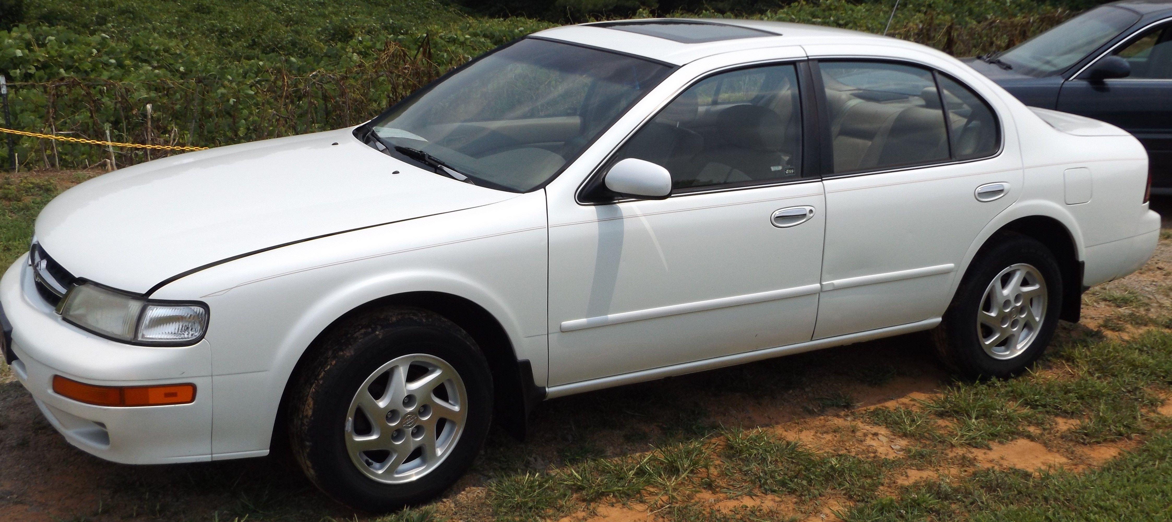 1999 Nissan Maxima GLE - $2,400  Located at Golden Auto