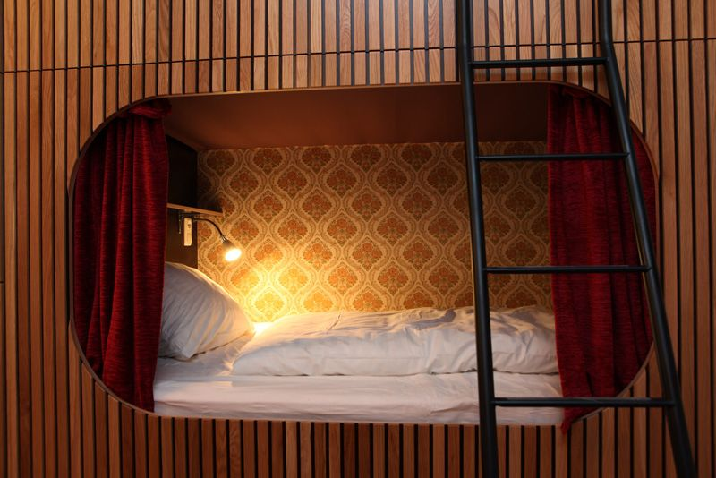 Dorm equipped with 8 beds in Köln / Cologne :: The Shakespearantos :: Die Wohngemeinschaft