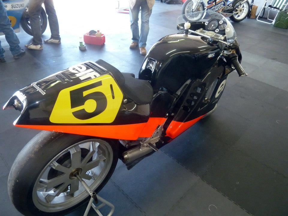 Motos de course anciennesLe Castellet 2013 Le castellet