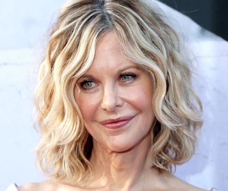 26 chic hairstyles that make you look 10 years younger