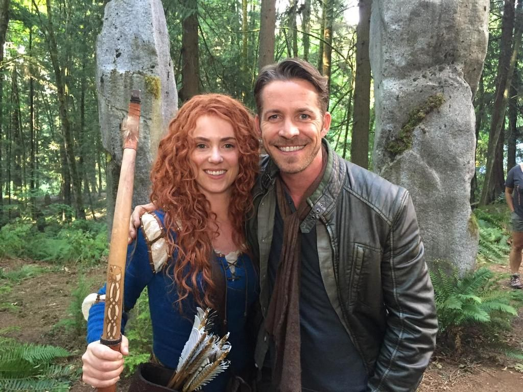 """Sean Maguire on Twitter: """"Me and @AmyMansonLondon swapping archery tips. What a great lass. http://t.co/leBhXemMY2"""""""