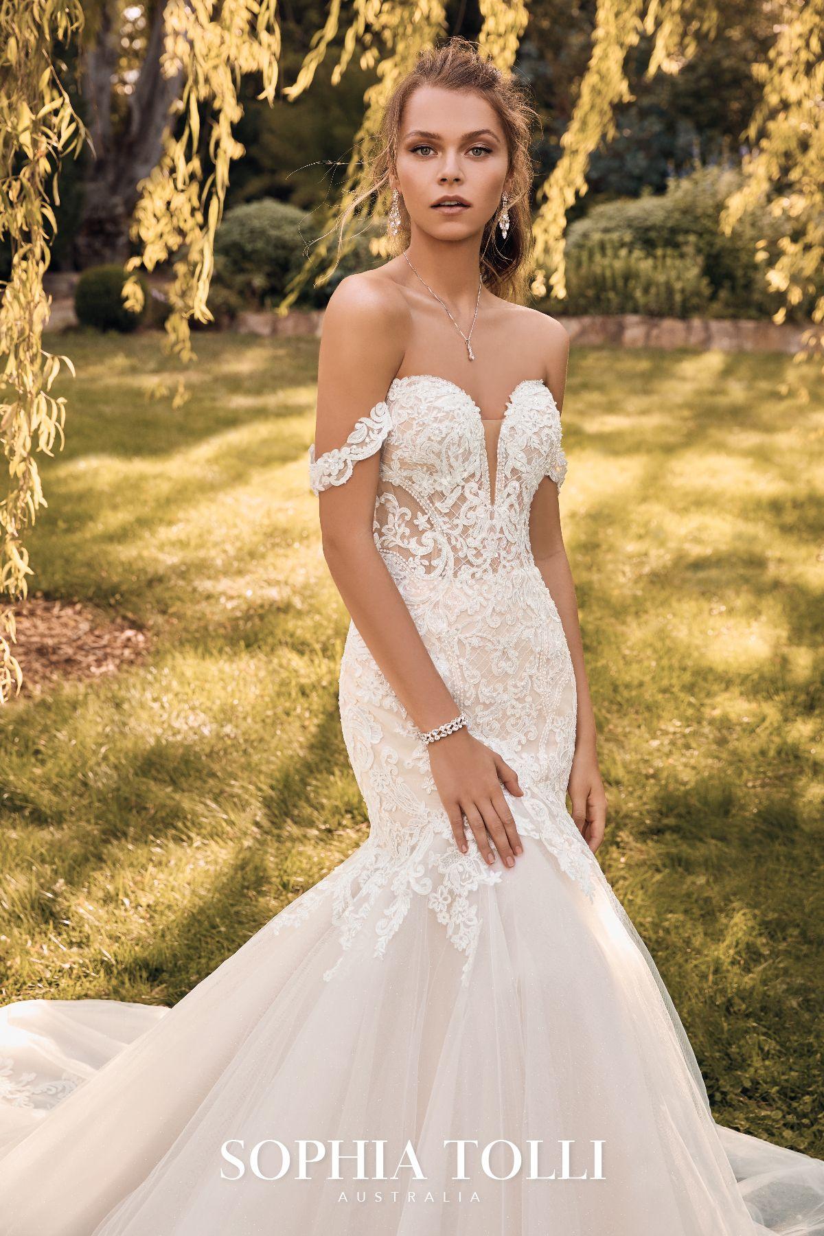 London Style Y22065 Sophia Tolli Wedding Gowns Mermaid Wedding Dresses Bridal Reflections [ 1800 x 1200 Pixel ]