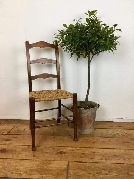 Antique Farmhouse Chair | Farmhouse chairs Antique farmhouse and Vintage furniture & Antique Farmhouse Chair | Farmhouse chairs Antique farmhouse and ...
