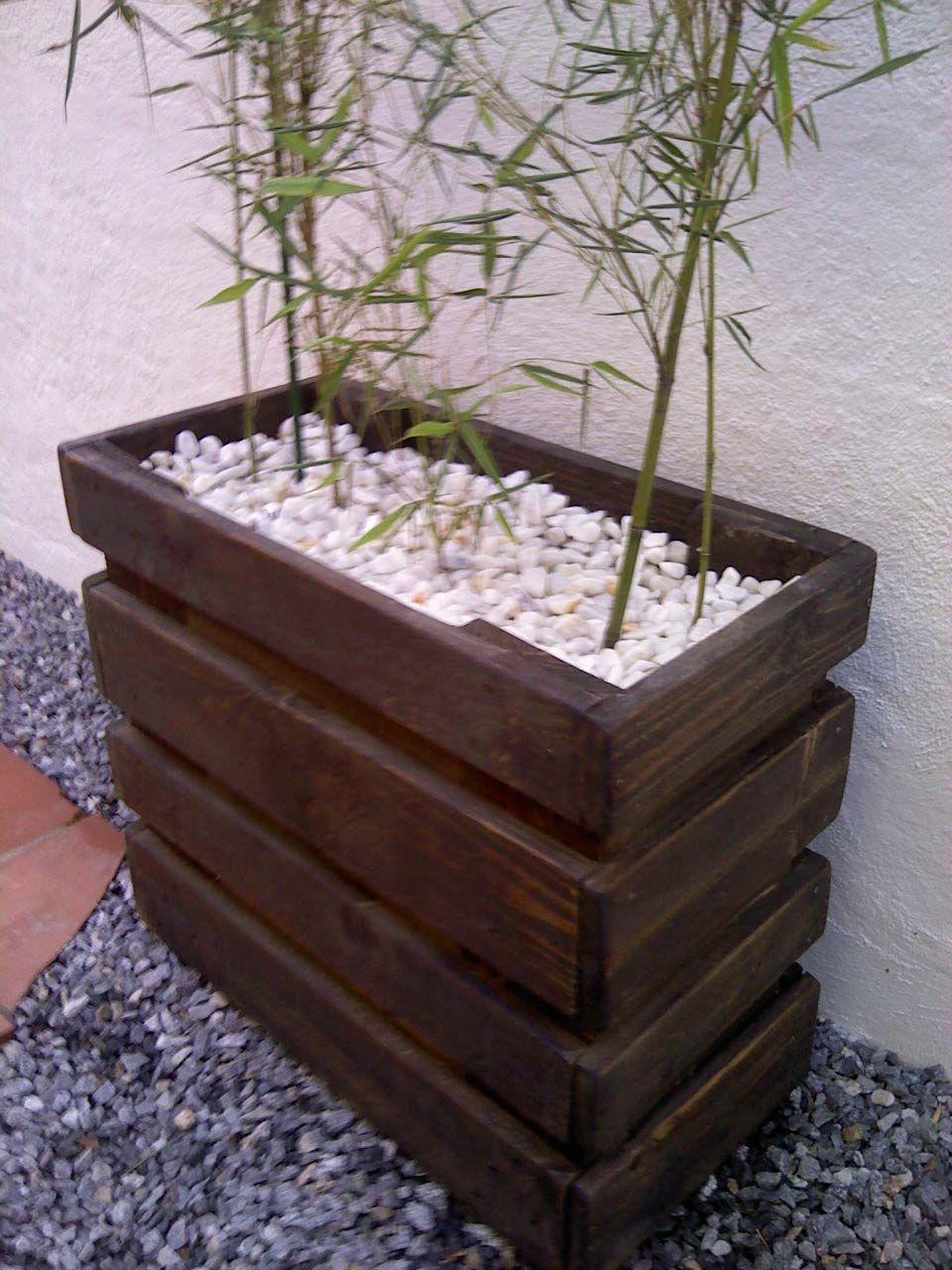 Brico jardinera con palets pallets planters and gardens for Zapateras de madera