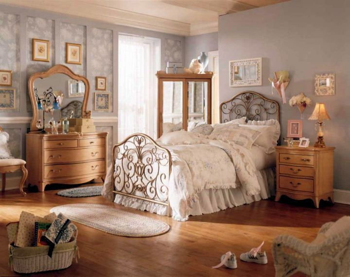 Lovely And Classy Vintage Bedroom Decoration Ideas Vintage Bedroom Decor Vintage Bedroom Furniture Vintage Bedroom Styles