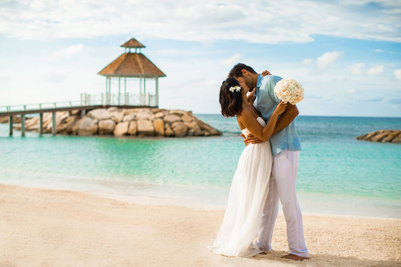 Venues For Caribbean Beach Weddings Our Top 10 Picks Caribbean Beach Wedding Destination Wedding Caribbean Beach Destination Wedding