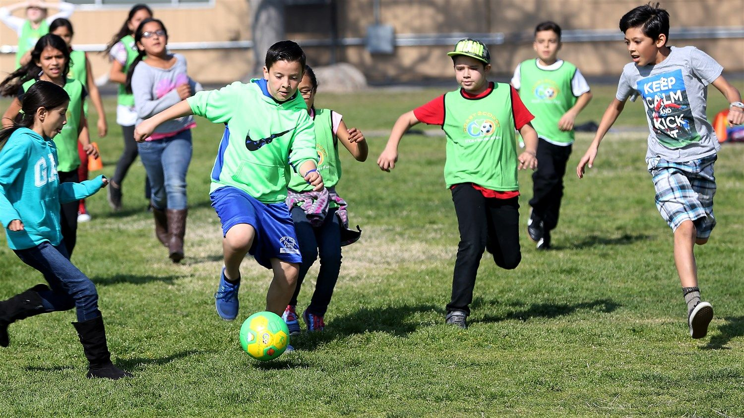 Soccer Games Teach Science And Math Good Behavior To Boot Kids Cheering Soccer Kids Races