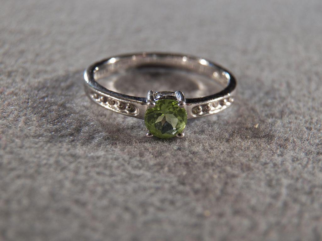 vintage sterling silver amp genuine peridot ring