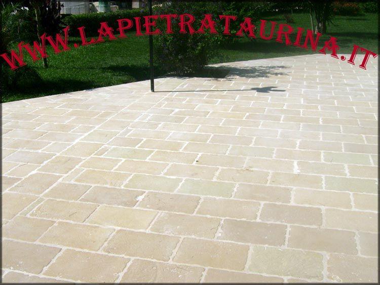 Pavimento In Pietra Naturale : Pavimento per esterno la pietra taurina pavimenti per esterni in