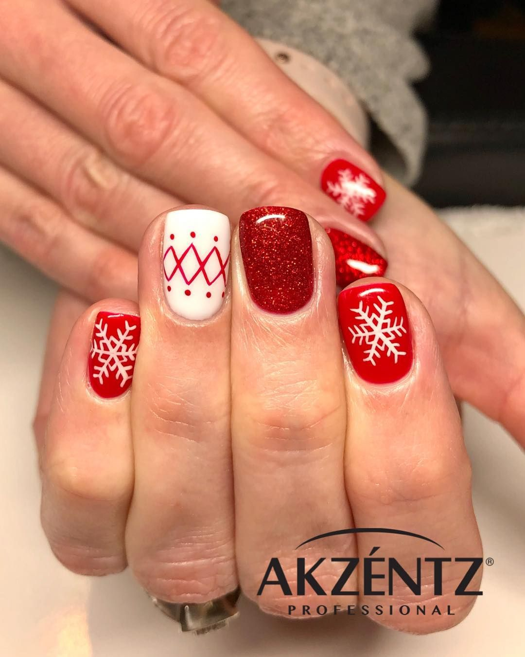 Amazing Red Snowflake Nails Design For Christmas Christmas Nail Designs Snowflake Nail Design Red Christmas Nails