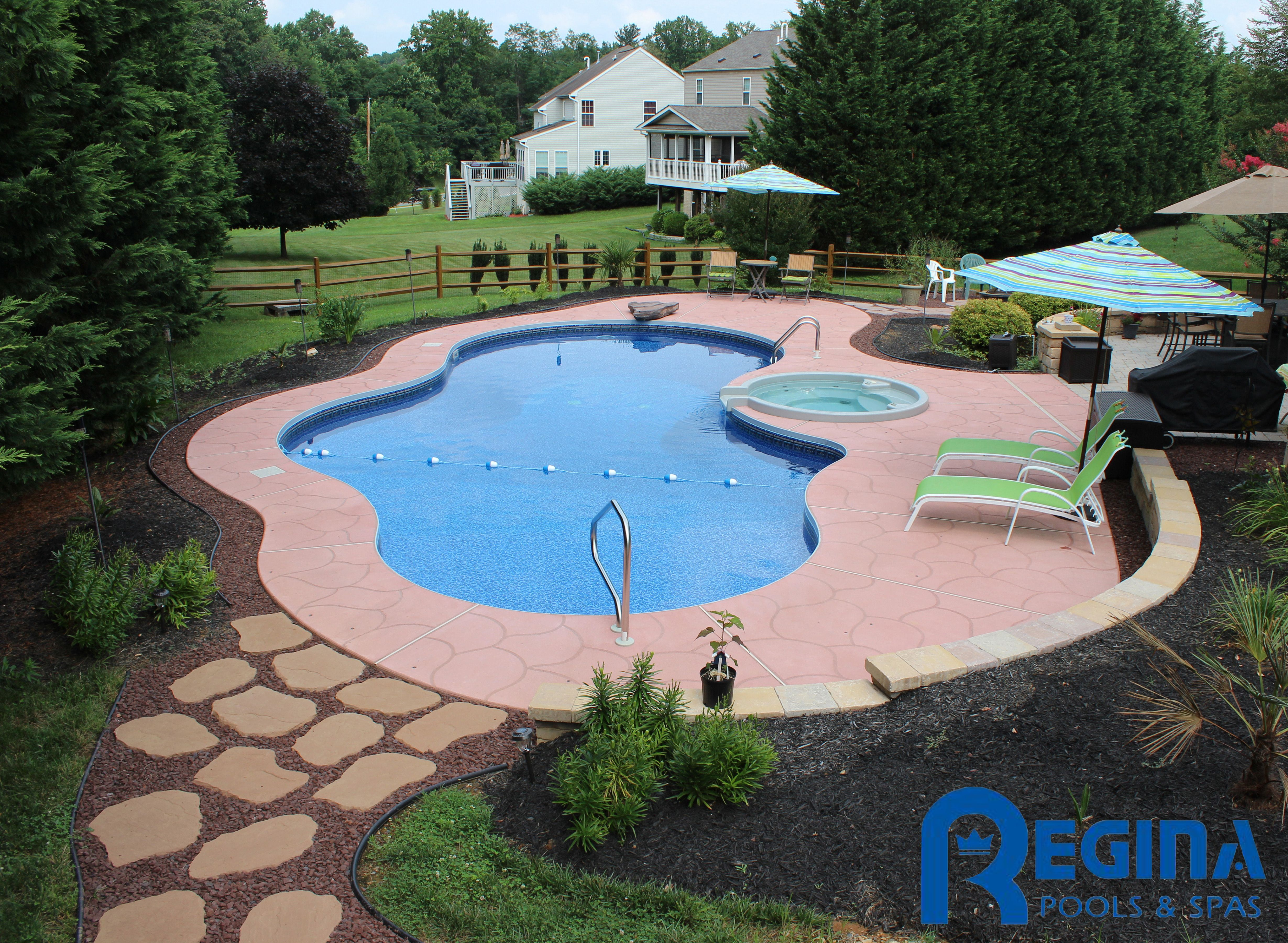 Mountain lake shaped vinyl liner swimming pool with diving for Pool design maryland