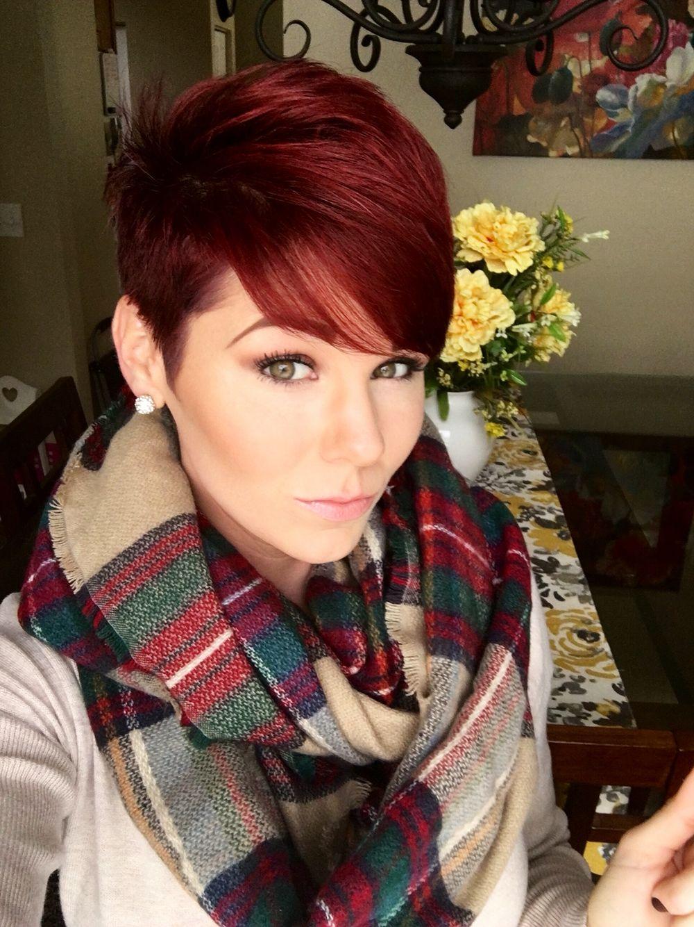 короткие стрижки и красный цвет волос фото легенда
