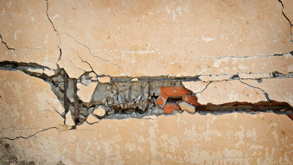 Signs Of Foundation Problems Should You Fix Them Or Run Foundation Repair House Foundation Phoenix Real Estate