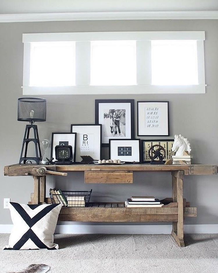 Wat een stoer idee om en werkbank in je interieur op te nemen. Wat vinden jullie van deze indeling? De werkbank is erg gaaf ingedeeld! #wooninspiratie Furn & Foto credits naar: @studiokiknl