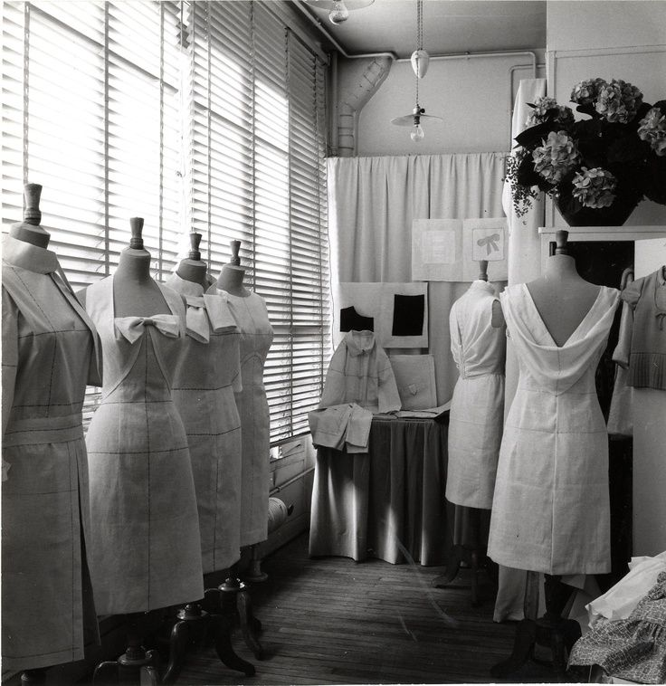 Vintage Ecole De La Chambre Syndicale De La Couture Parisienne