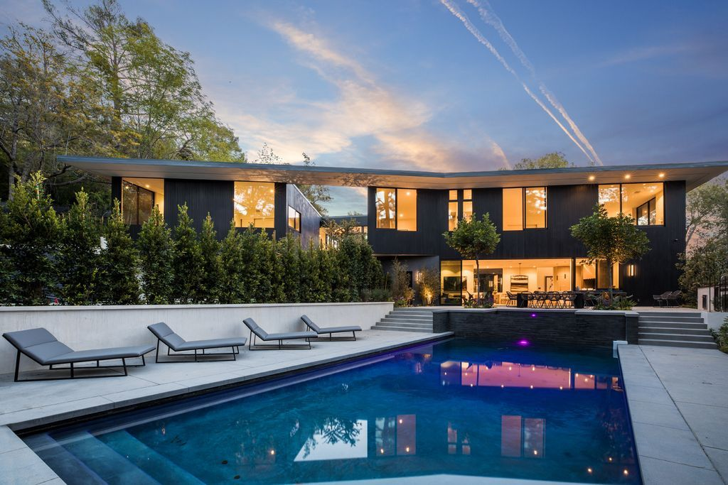 7631 Willow Glen Rd Los Angeles Ca 90046 Zillow Hollywood Hills Homes Architecture Hollywood Hills
