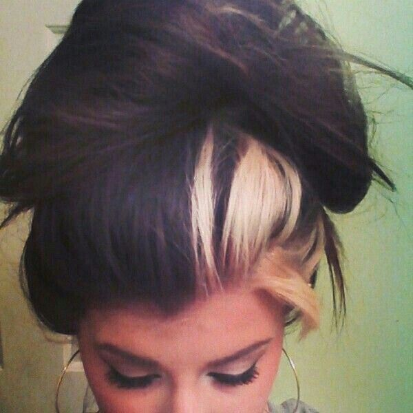 Dark Burnette With Blonde Chunks Hair Streaks Blonde Streaks