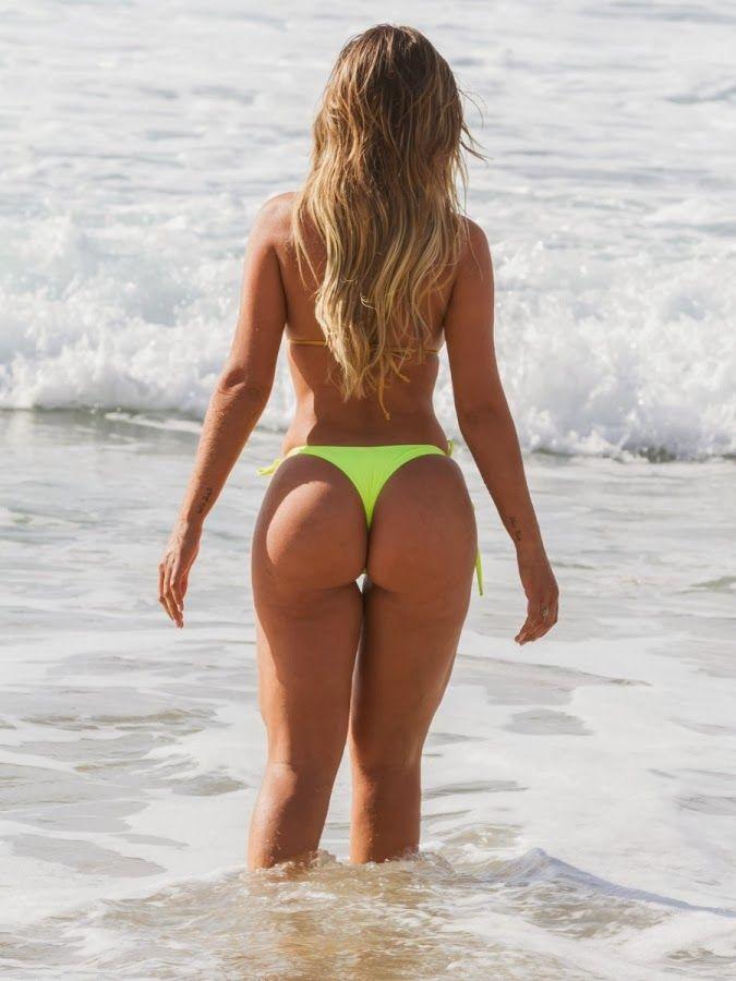 beach Andressa urach