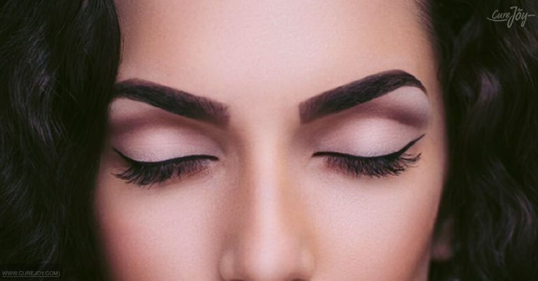 Cast The Spell Of Castor Oil On Your Eyebrows Beauty Tips