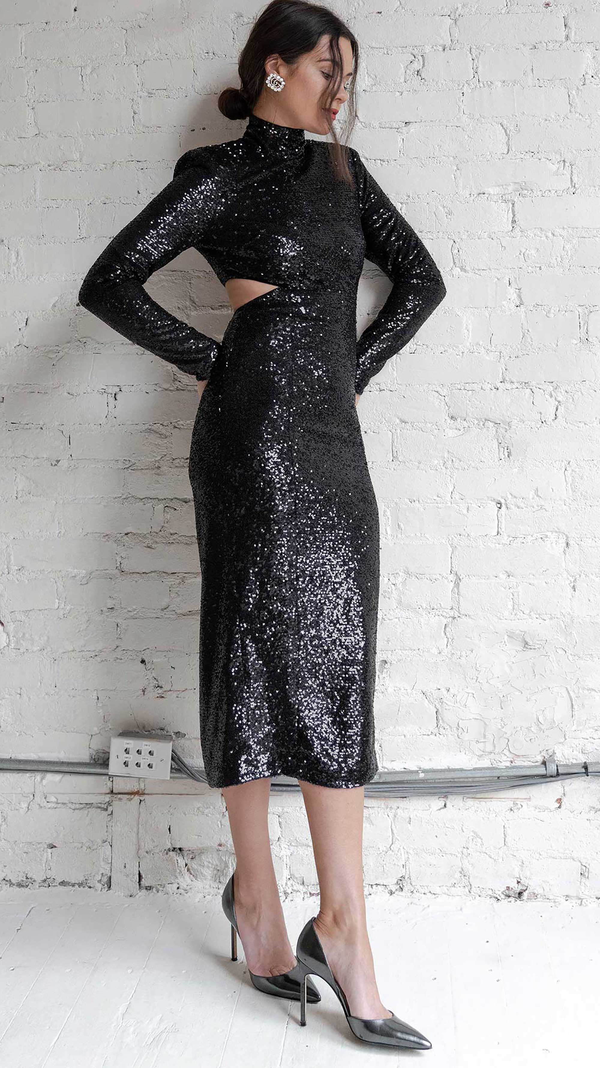 Easy New Year's Eve Outfit Idea Black Sequin Dress em 2020
