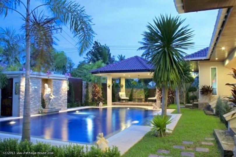 Ban Amphur 280 sqm pool villa RESALE HOUSES