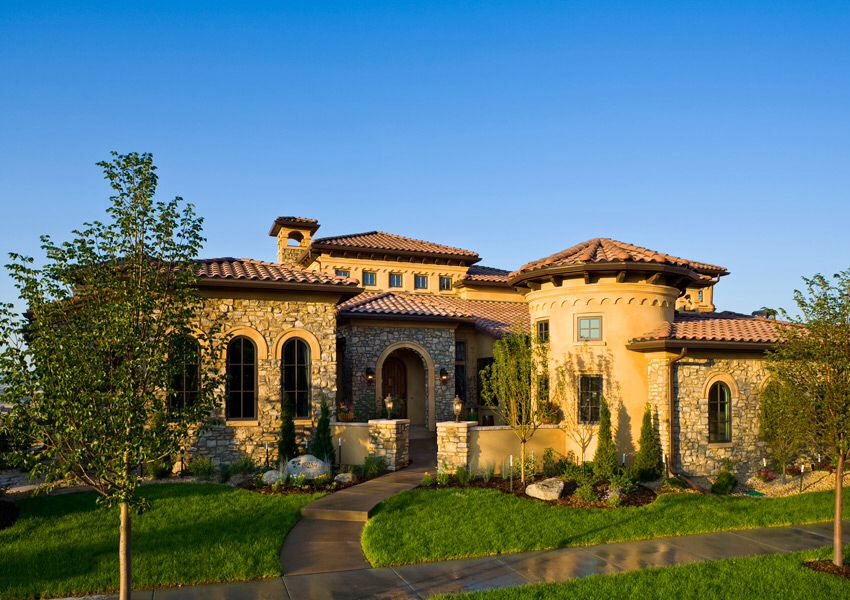 Tuscan style home tuscan spanish style homes for Mediterranean home exterior design