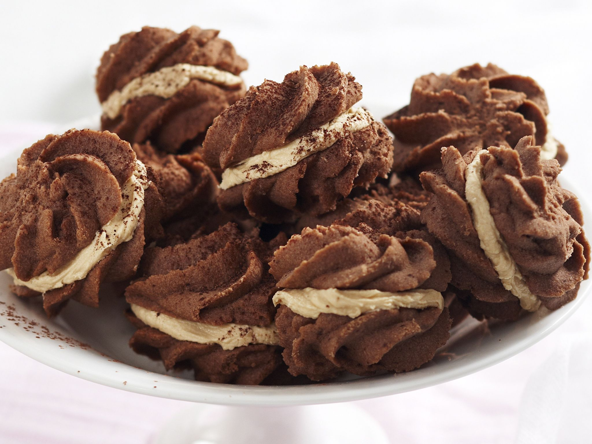 Chocolate melting moments with coffee cream Recipe