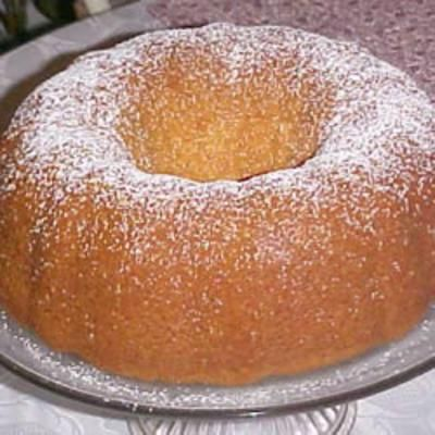 Momma's Wine Cake-white cake mix, vanilla pudding, white wine... WHAT?!?!
