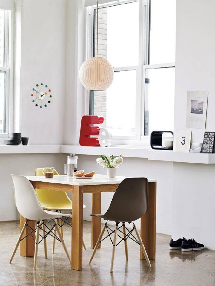 Juego de mesa y sillas para comedor bertoia buscar con for Comedores redondos minimalistas