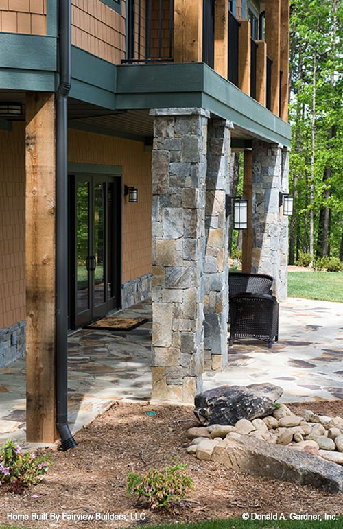 The Laurelwood House Plan - Rear Exterior | Big bear cabin ...