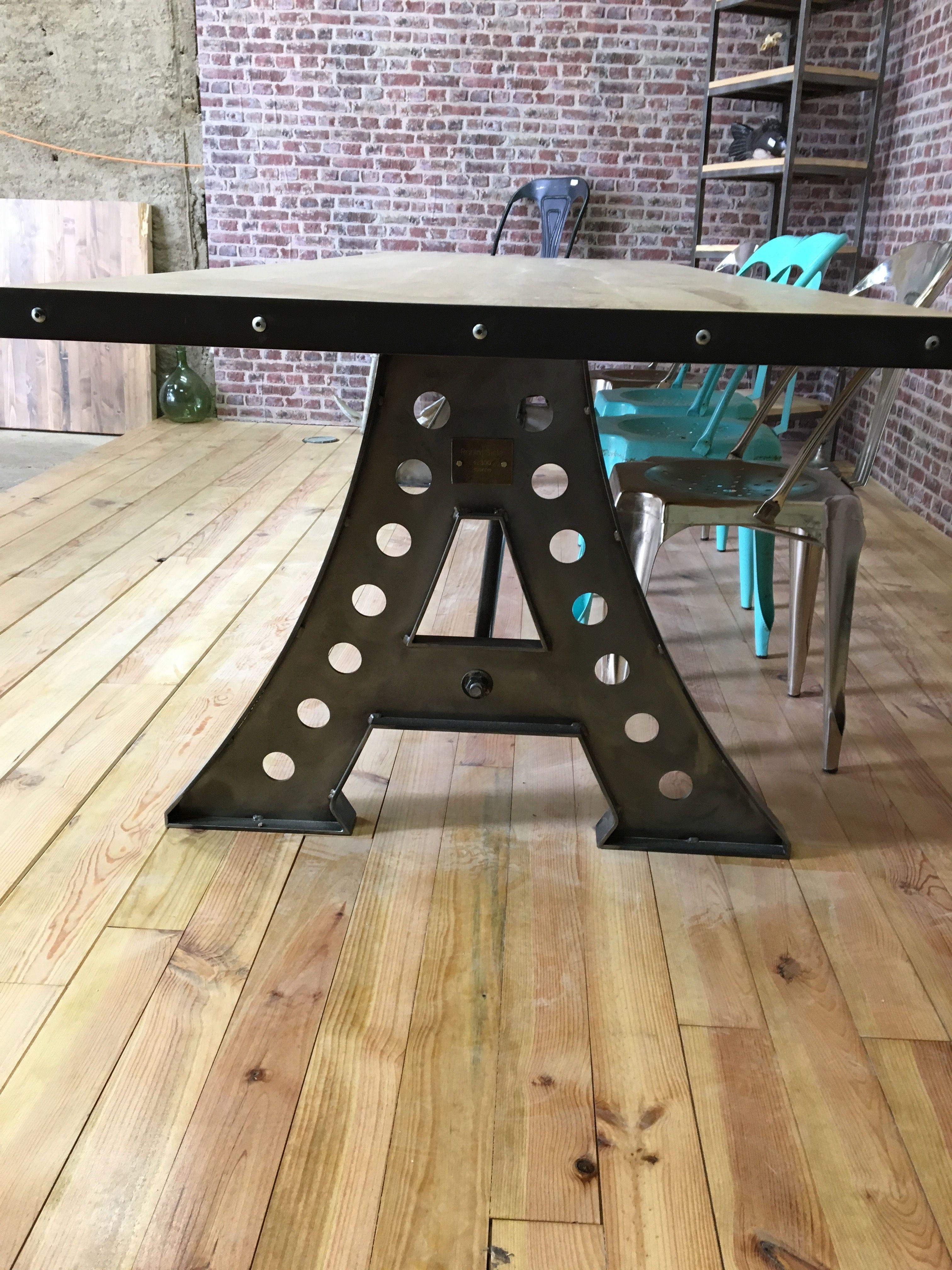 Table Industrielle De Salle A Manger Plateau Chene Table Eiffel