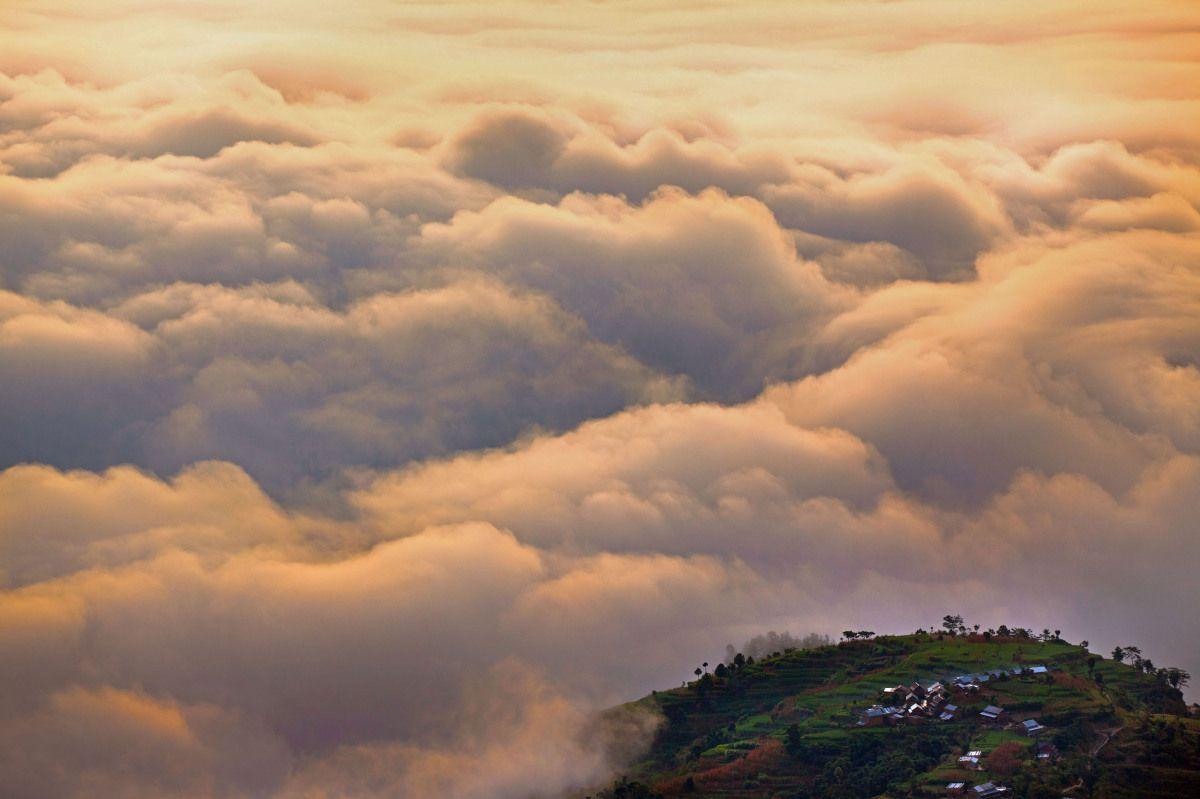 The Stunning Himalayan View From Nagarkot, Nepal (PHOTOS) by Anton Jankovoy, Caters News Service, huffingtonpost.com #Photography #Himalayas #huffingtonpost #Anton_Jankovy