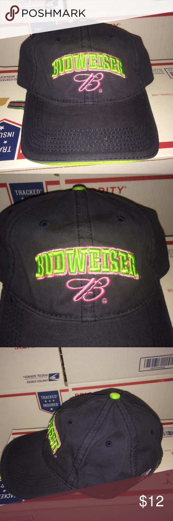 Budweiser B logo Girl hat Anheuser Busch BUD light Girl