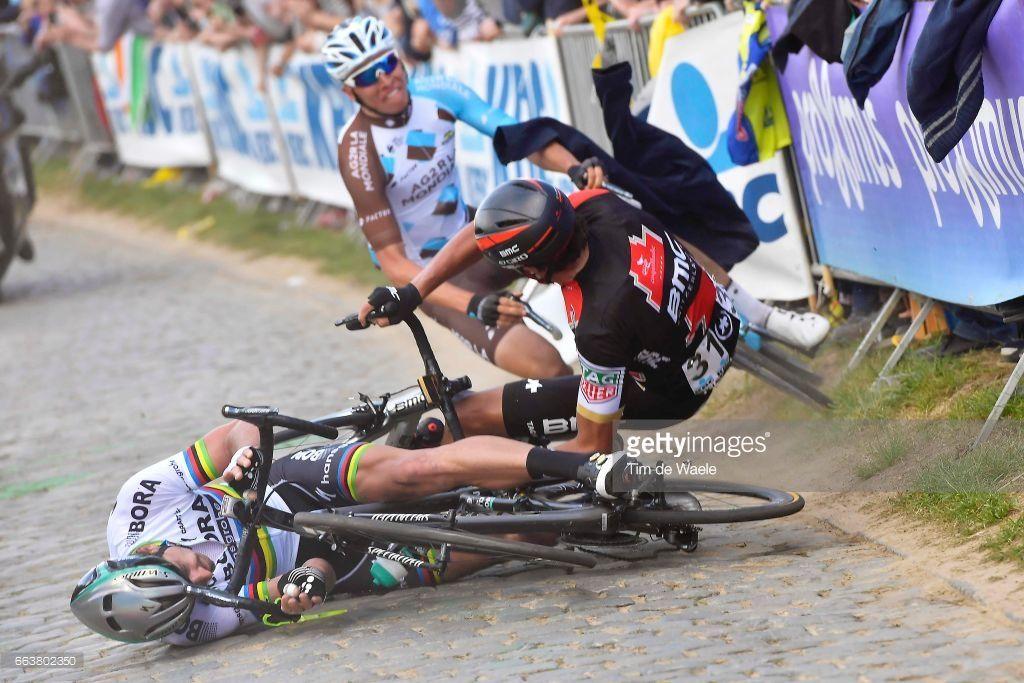 Rvv Uciwt 101st Tour Of Flanders 2017 Men Peter Sagan Svk Greg Van Avermaet Bel Oliver Naesen Bel Crash Oude Kwa Cycling Weekly Cycling Bike Run