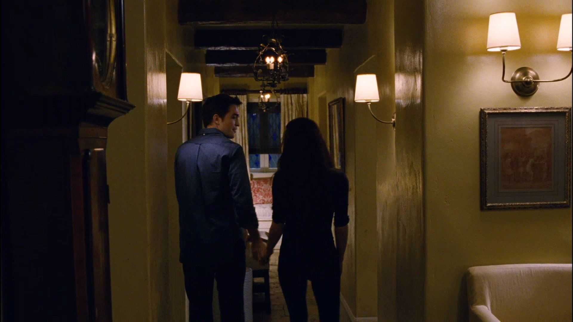 Edward And Bella Photo Edward And Bella In Their Cottage Twilight Bella And Edward Edward Bella Twilight House