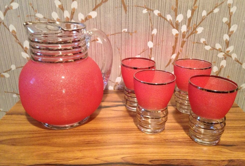 Vintage Midcentury Pitcher With Drinking Glasses Pink