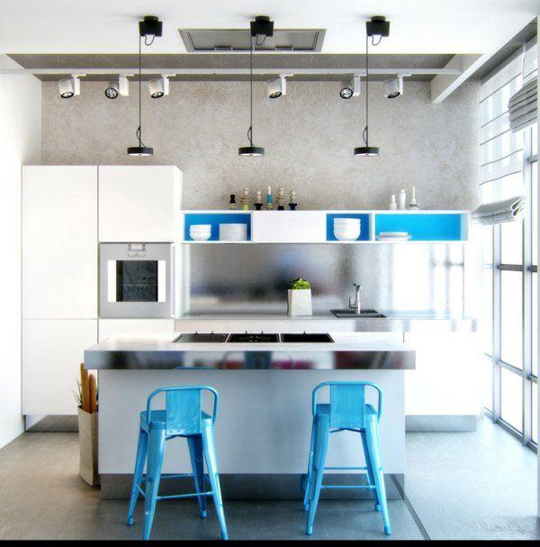 renovierte wohnung kenzo olga akulova, un tabouret de bar coloré pour la cuisine moderne   beach house, Design ideen