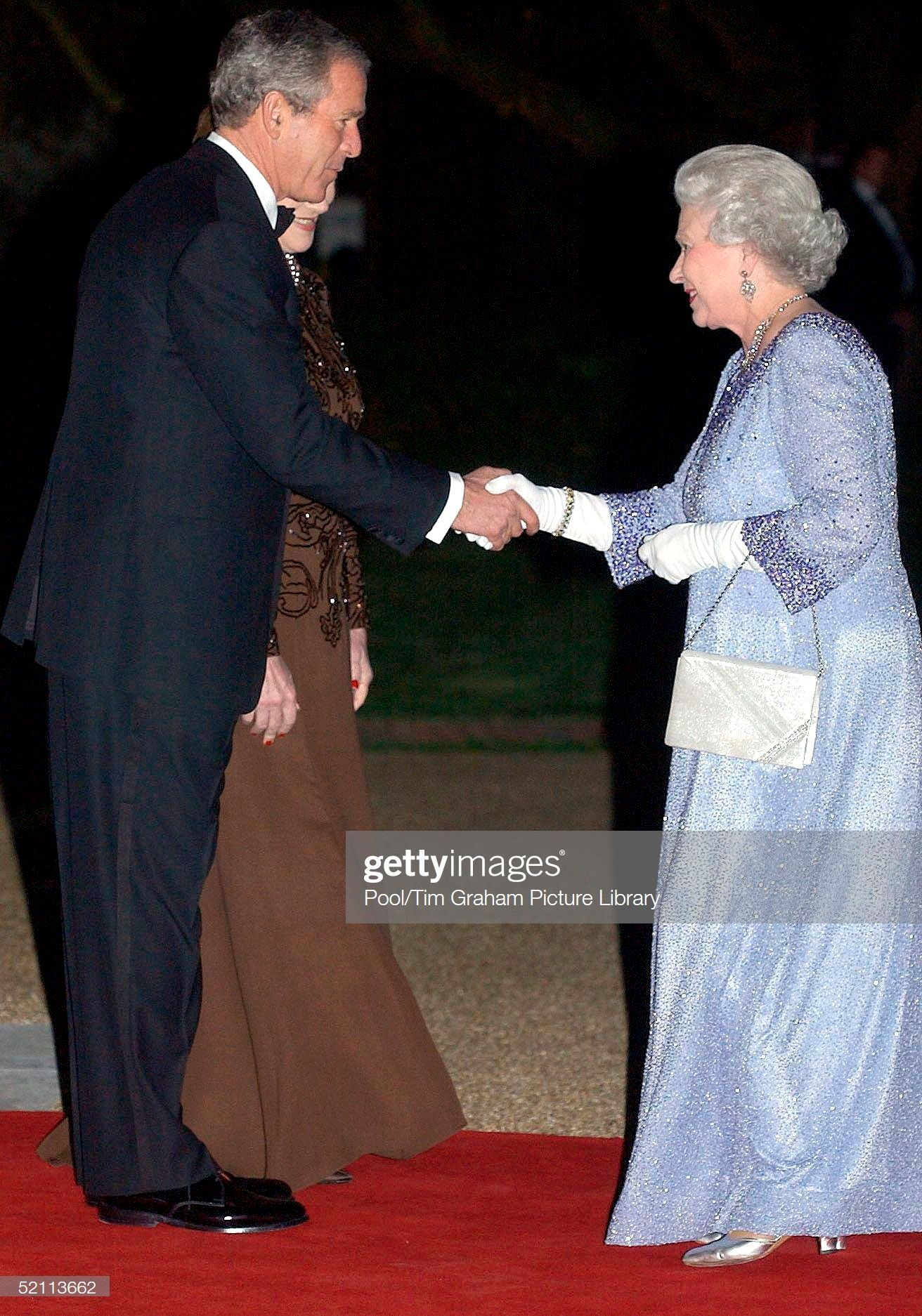 President George W Bush Hosts A Banquet For Queen Elizabeth II And Other Royals At The American Amba... - #banquet #elizabeth #george #hosts #other #president #queen - #QueenElizabeth