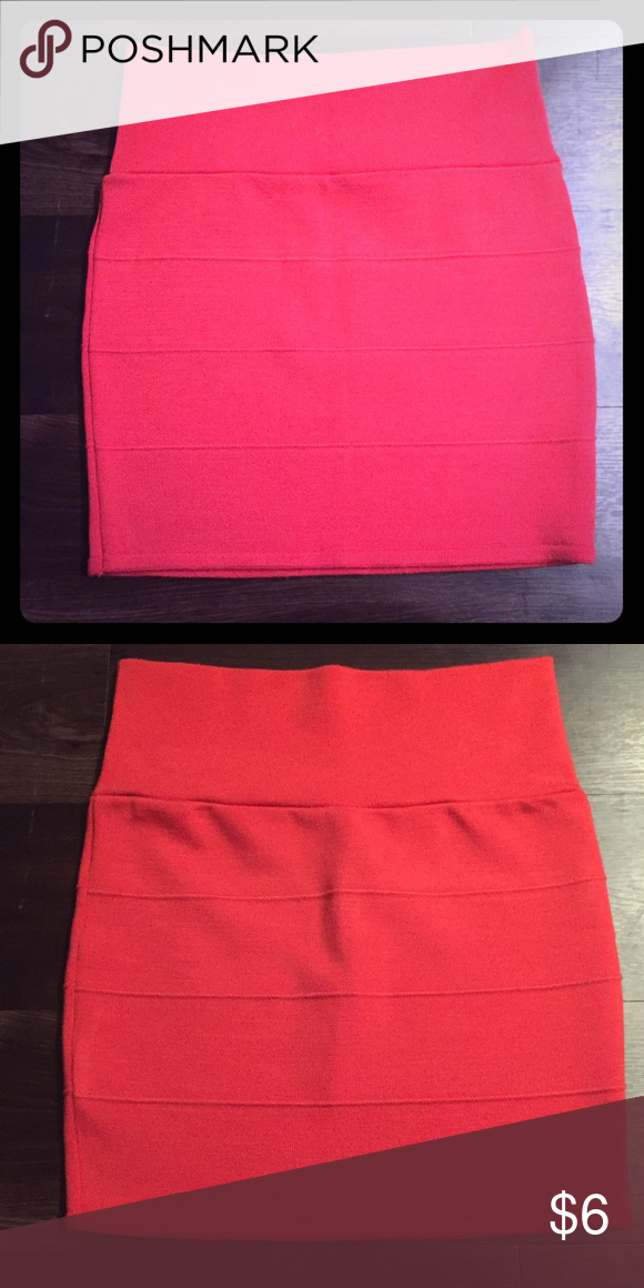 Bodycon Skirt Joyknit bodycon skirt, great condition.   Size: M (I'd say S/M)  45% Rayon / 45% Nylon / 10% Spandex Skirts Mini