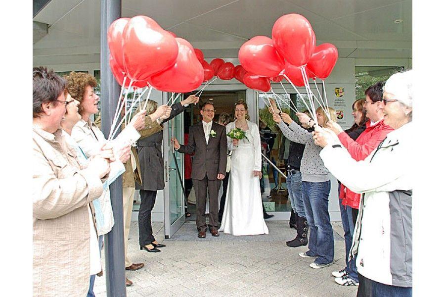 Luftballondekoset Spalier aus Herzluftballons 50 Stck