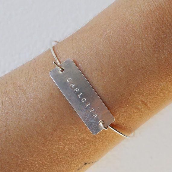 Bracciale in argento con nome su targhetta bracciale di AMEjewels