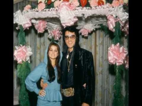 Elvis Priscilla Presley- Christmas in Graceland